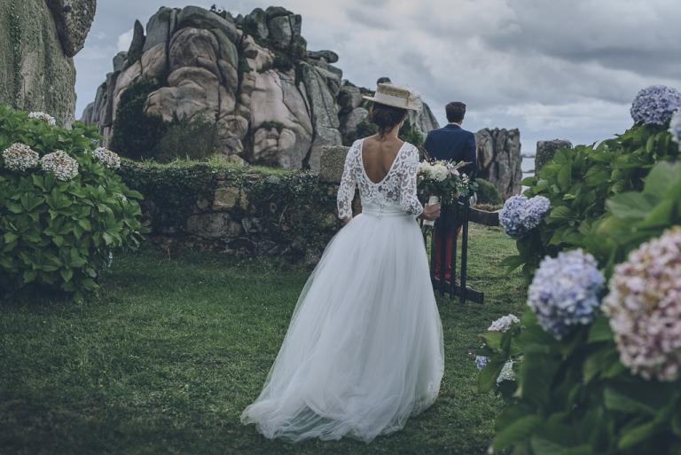 Mariage bohème au bord de la mer en Bretagne